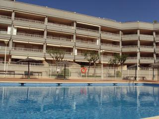 Nice Condo with A/C and Shared Outdoor Pool - Canet de Berenguer vacation rentals
