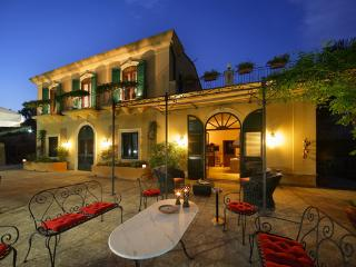 Cozy 3 bedroom Torre Faro Villa with Internet Access - Torre Faro vacation rentals