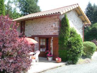 Perfect 1 bedroom Cottage in Saint-Mathieu - Saint-Mathieu vacation rentals