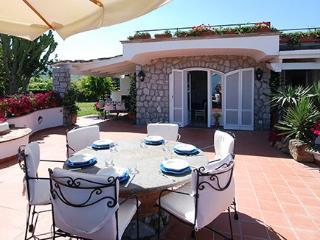 4 bedroom Villa in S.Maria Annunziata, Costa Sorrentina, Amalfi Coast, Italy : ref 2230373 - Ponticelli vacation rentals