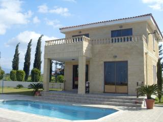 Bright 2 bedroom Latchi Villa with Internet Access - Latchi vacation rentals