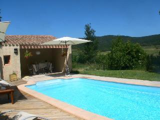 Entre garrigue et Vallée B&B proche   Carcassonne - Lagrasse vacation rentals