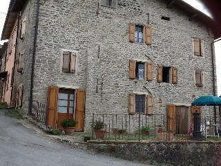 Bright 4 bedroom Farmhouse Barn in Toano with Satellite Or Cable TV - Toano vacation rentals