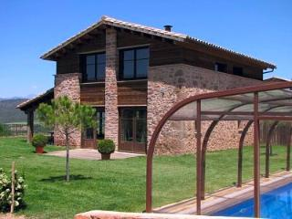 Nice Villa with Internet Access and A/C - Cardona vacation rentals