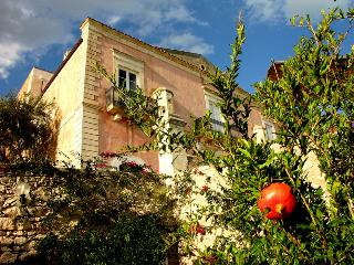 Bright 3 bedroom Guest house in Manfredonia - Manfredonia vacation rentals