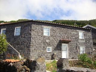 Casas do Pico - Casa do Priosta - Lajes do Pico vacation rentals