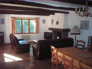 Nice Villa with Dishwasher and Microwave - Cogolin vacation rentals