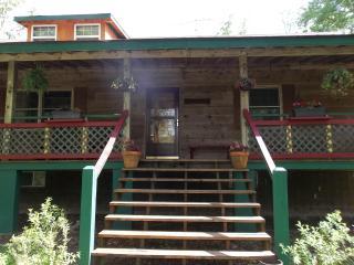 Acorn Cottage, Crossville, TN   Cumberland Plateau - Fairfield Glade vacation rentals