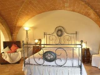 Nice Finca with Internet Access and Garden - Volterra vacation rentals