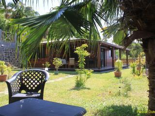 Maison Badamier avec PISCINE hors sol OCTO+ 640 - Petite-ÃŽle vacation rentals