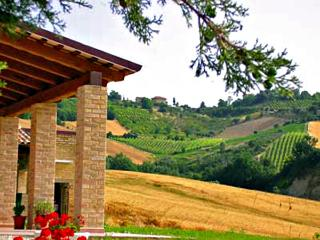 6 bedroom Farmhouse Barn with Internet Access in Carassai - Carassai vacation rentals