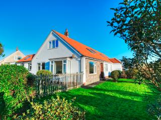 April Cottage, Beadnell, Northumberland - Beadnell vacation rentals
