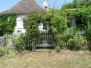 Perfect Cottage with Internet Access and A/C - Issigeac vacation rentals
