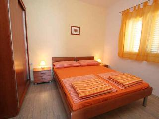 Apartments rental in Okrug - Mavarcica A1 - Okrug Gornji vacation rentals