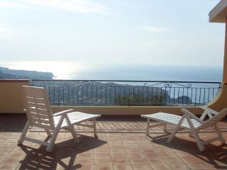 Lovely Condo with A/C and Shared Outdoor Pool - Parghelia vacation rentals