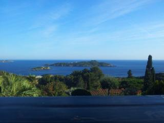 Bright 7 bedroom Giens Villa with Internet Access - Giens vacation rentals