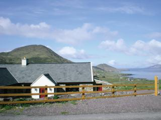 Nice Cottage with Outdoor Dining Area and Television - Waterville vacation rentals