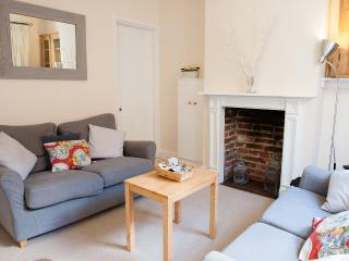 Cosy character cottage in central Winchester - Winchester vacation rentals