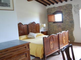 double bedroom in the Tuscan countryside - Lustignano vacation rentals