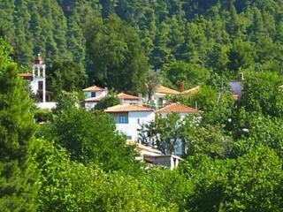 2 bedroom House with Balcony in Kirinthos - Kirinthos vacation rentals
