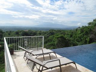Gorgeous New Home with Spectacular Views of Entire - Atenas vacation rentals