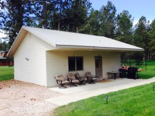 Heart of Black Hills, Borders National Forest - Custer vacation rentals