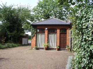 THE COACH HOUSE - Cheltenham vacation rentals