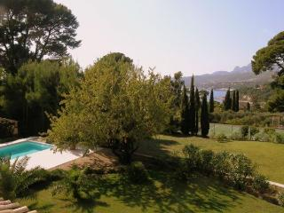 Villa Cassis, sleeps up to 8,private pool,nr beach - Cassis vacation rentals