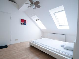 Artist Penthouse Apartment in Kreuzberg, Berlin - Berlin vacation rentals