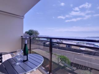 Stunning harbour sea views from three bedroom town house in Poole Quay - Poole vacation rentals