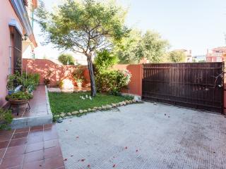 3 bedroom House with Microwave in Salteras - Salteras vacation rentals