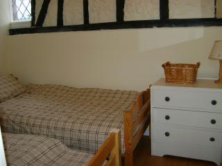 Cozy 2 bedroom Gite in Auxi-le-Chateau - Auxi-le-Chateau vacation rentals