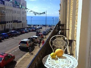 Perfect 2 bedroom Brighton Apartment with Internet Access - Brighton vacation rentals