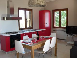 Pollica:Le Due Querce - Appartamento del Sole - Pollica vacation rentals