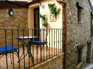 Charming 1 bedroom Cefalu House with A/C - Cefalu vacation rentals