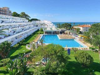 CLUBE PRAIA DA OURA 2 BEDROOM - Albufeira vacation rentals