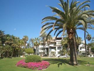 R11 Alcazaba Beach - Estepona vacation rentals