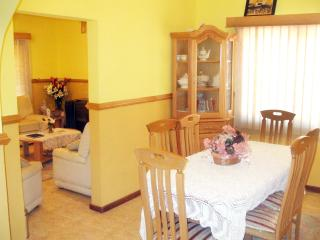 Cozy 3 bedroom Guest house in Accra with A/C - Accra vacation rentals
