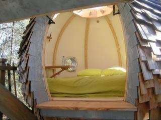 Le Lov Nid, cabane dans les arbres, 2 personnes - Lembras vacation rentals