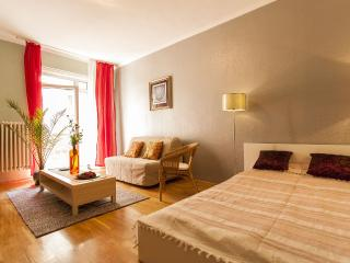Sunny 2 bedroom Vacation Rental in Budapest - Budapest vacation rentals