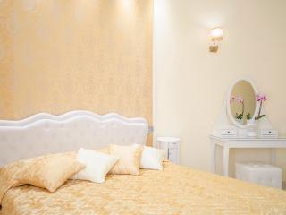 Bramante double bedroom at Impero Vaticano B&B - Rome vacation rentals