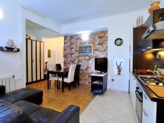 Apartment Maric 1 - Split vacation rentals