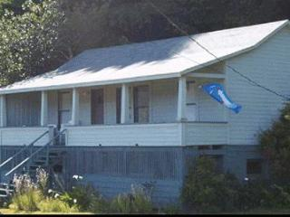 Cozy House with Deck and Dishwasher - Reedsport vacation rentals