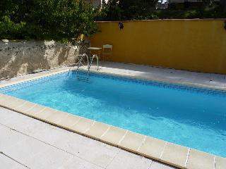 2 bedroom Villa with Internet Access in Orgon - Orgon vacation rentals