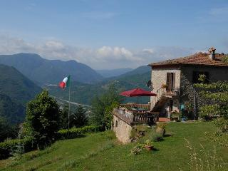 Comfortable House with Internet Access and Cleaning Service - Bagni Di Lucca vacation rentals