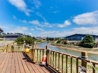 3BR home w/river access; deck; shared pool & fitness center - Waldport vacation rentals