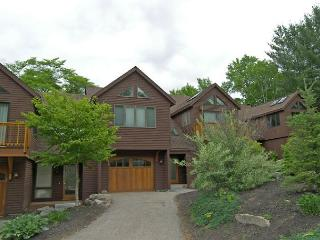 S00B2- Managed by Loon Reservation Service - NH M&R:056365/Business ID:659647 - Lincoln vacation rentals