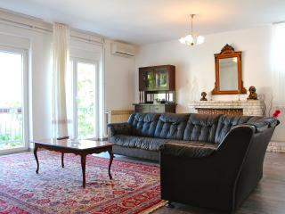 Vintage Apartment near Beach and City Center - Pula vacation rentals
