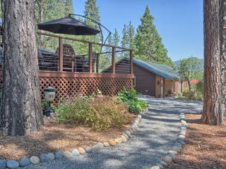 Soothing Bass Lake Home & Guest House. Solitude! - Bass Lake vacation rentals