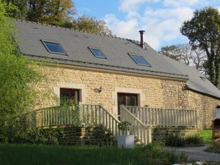 Charming Cottage with Internet Access and Satellite Or Cable TV - Plouay vacation rentals